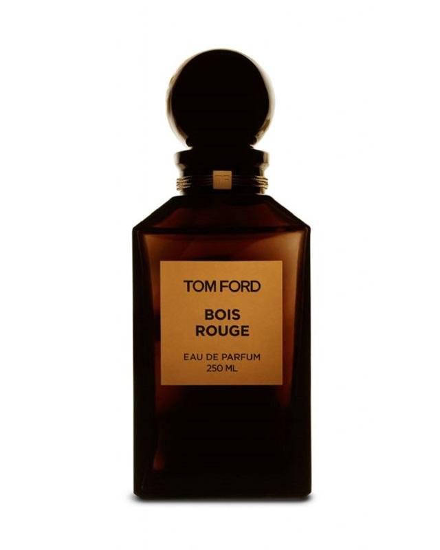 Tom Ford - Bois Rouge: hương gỗ phương Đông có nốt hổ phách, cùng các nốt khác như gỗ tuyết tùng, gỗ đàn hương, cỏ hương bài... Giá: 230$ cho 50ml (khoảng 5.060.000VND)