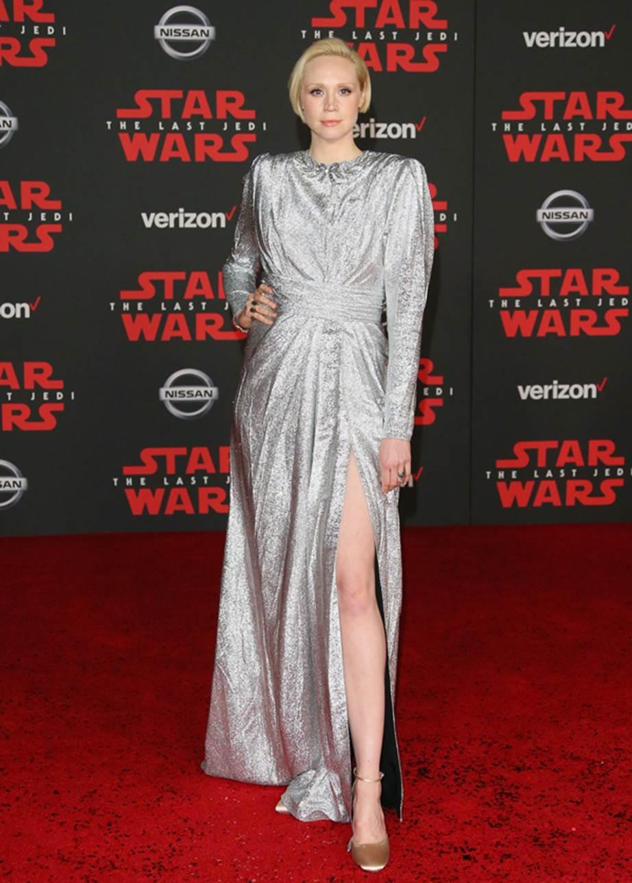 Thiết kế ánh bạc từ Gucci tôn lên vẻ đẹp cổ điển của Gwendoline Christie.