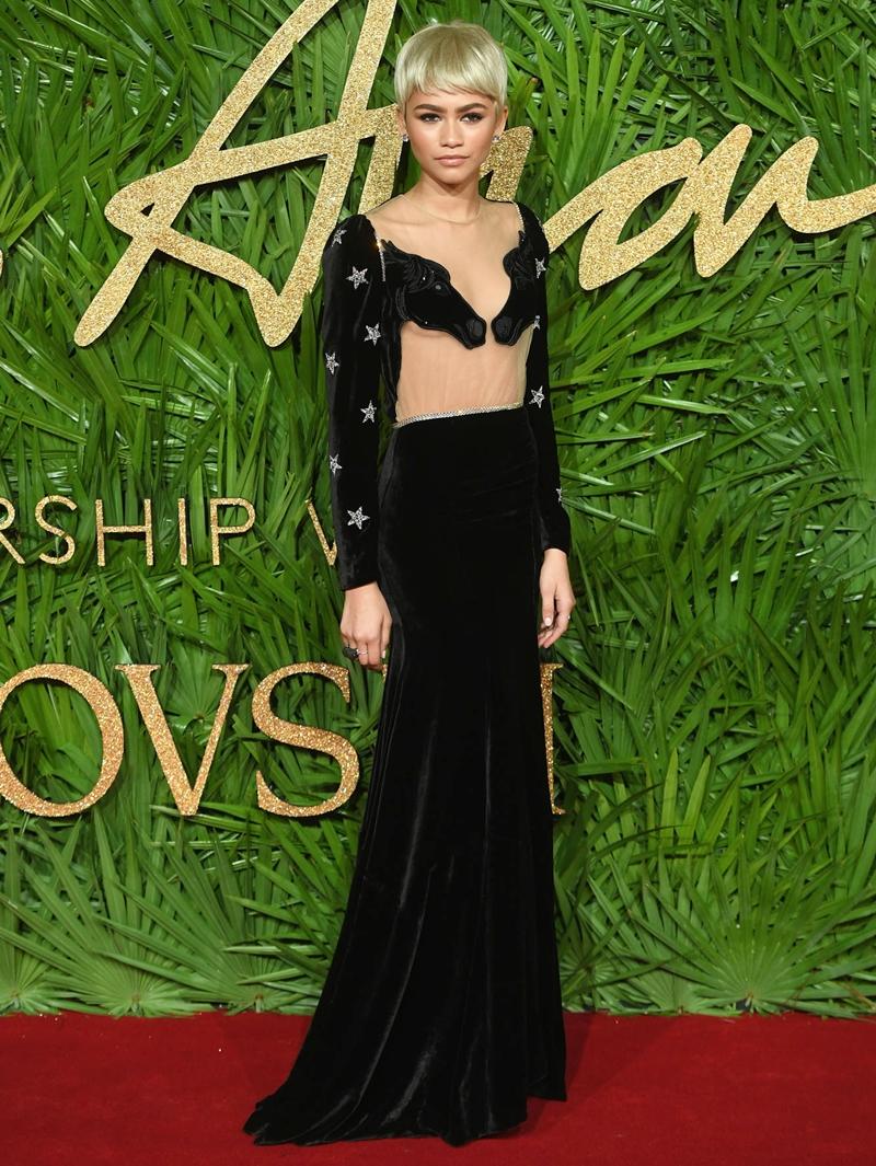 20170612_tham_do_british_fashion_awards_2017_deponline_04