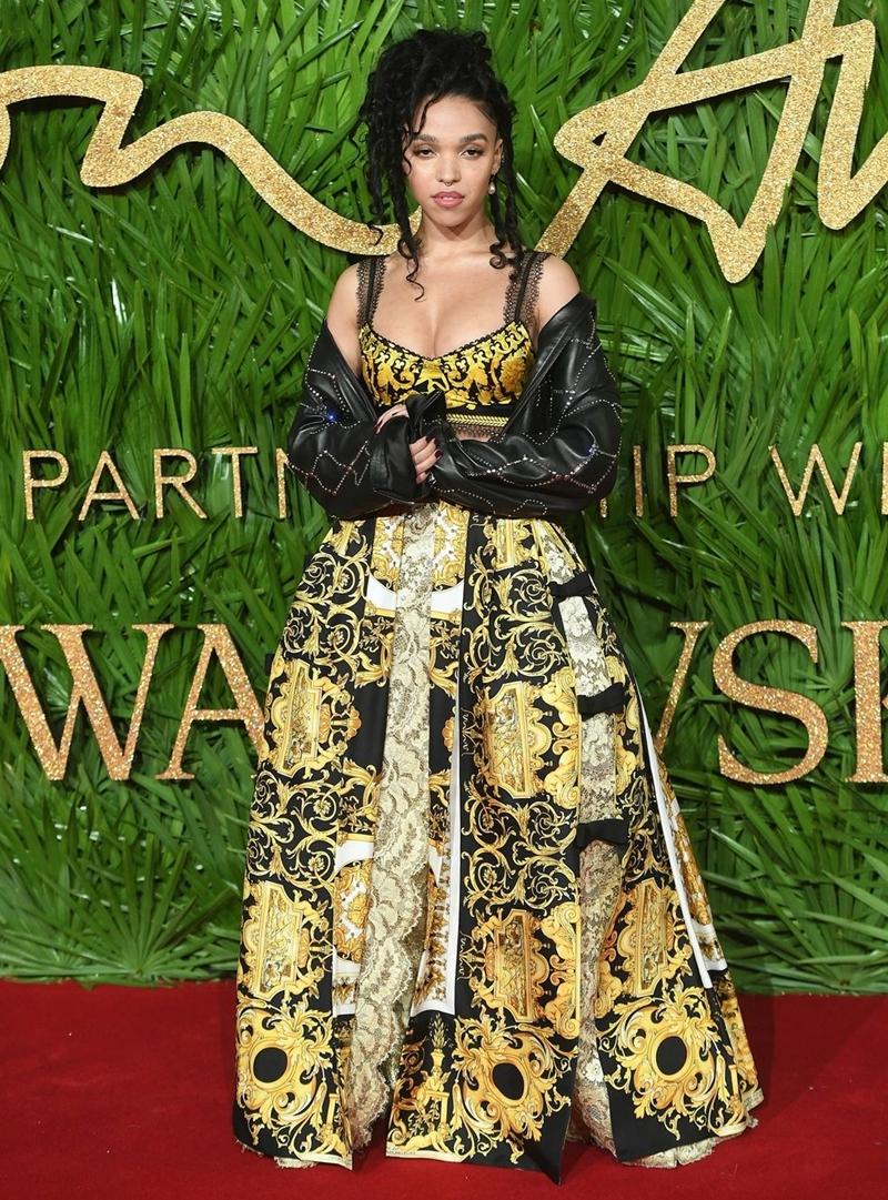 20170612_tham_do_british_fashion_awards_2017_deponline_10