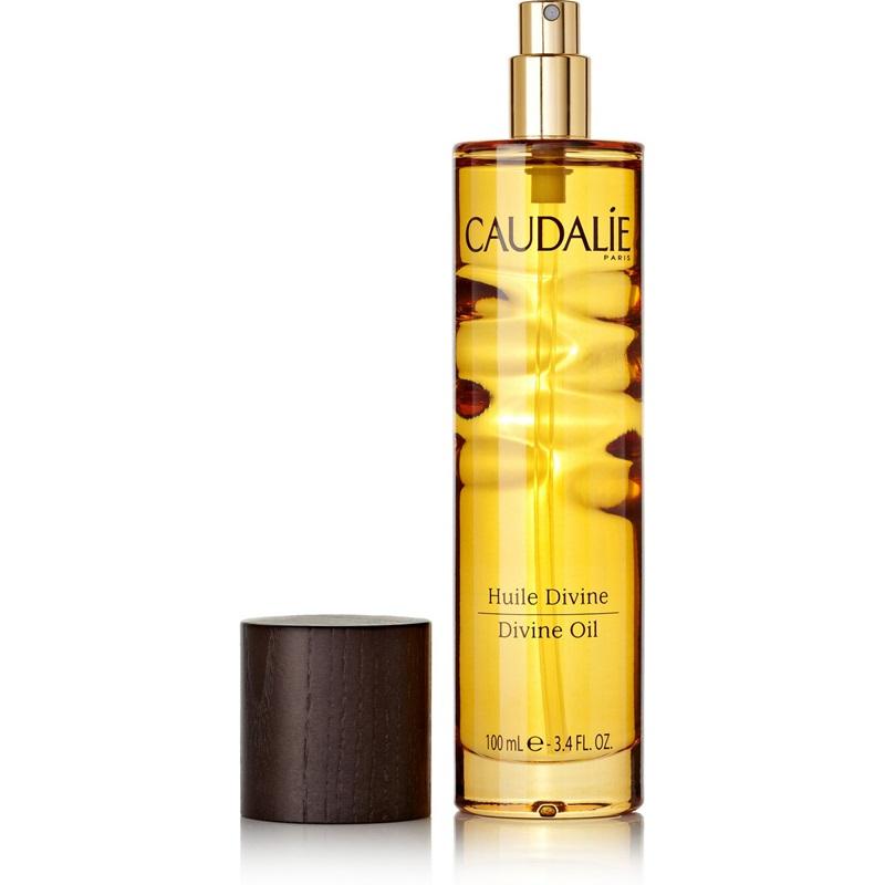 Caudalie Divine Oil: Dầu dưỡng da chứa thành phần dầu argan làm ẩm và chống lão hóa, có thể dùng trên bất cứ bộ phần nào của cơ thể đang thiếu ẩm như tay, chân, mặt, tóc.. Giá: khoảng 1.100.000VNĐ.