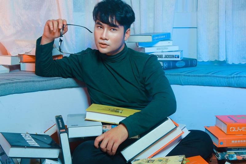 MC Lâm Trí Thuận gợi ý 3 set trang phục đón Giáng sinh
