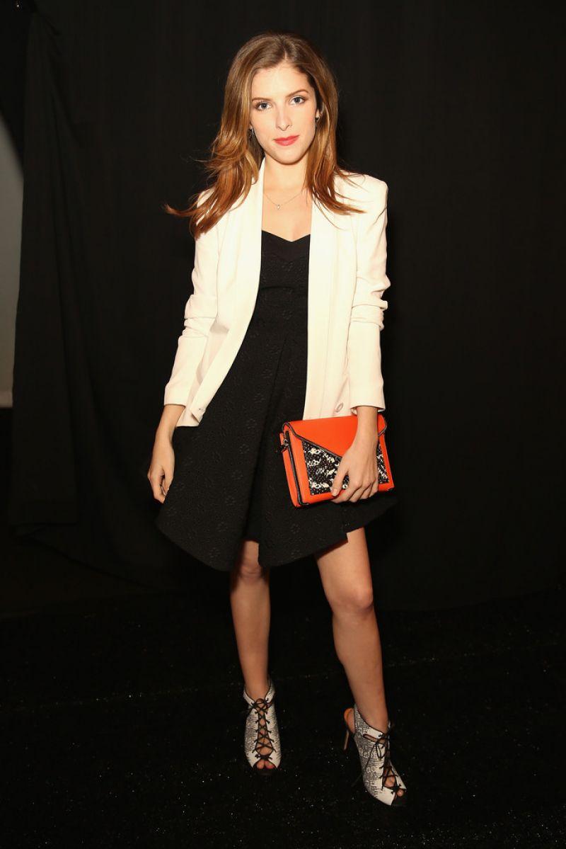 anna-kendrick-rebecca-minkoff-f-w-fashion-show-in-new-york-city_1