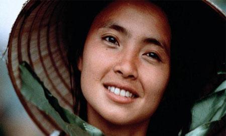 """Lê Thị Hiệp – Nữ diễn viên trong phim Hollywood """"Heaven & Earth"""" qua đời vì ung thư"""