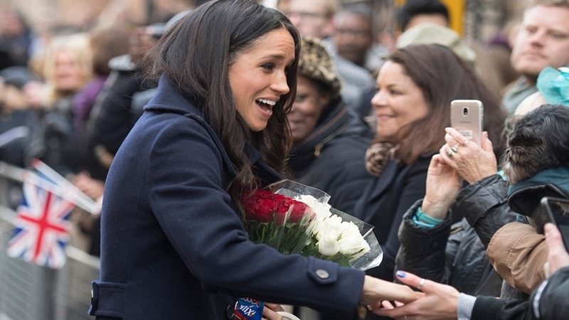 Meghan được lòng dân chúng Anh chẳng kém gì công nương Kate