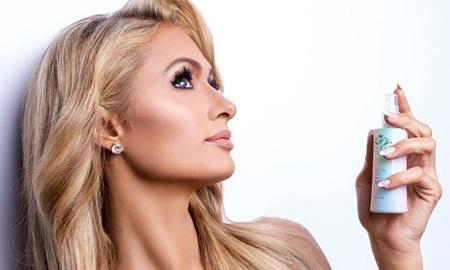 Tưởng rằng đã lui về ở ẩn, Paris Hilton bất ngờ tuyên bố sắp ra mắt xịt khoáng Unicorn