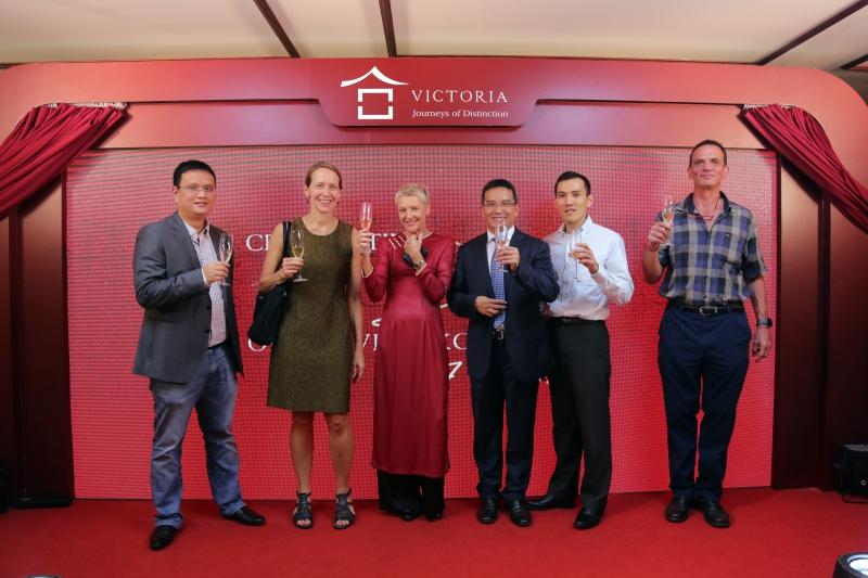 Khu nghỉ dưỡng và khách sạn Victoria kỷ niệm 20 năm thành lập