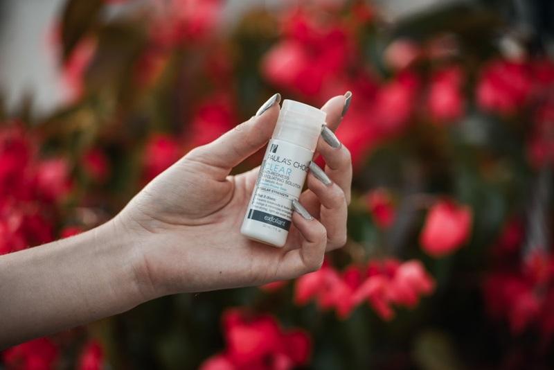 Paula's Choice - Clear Regular Strength Anti-Redness Exfoliating Solution 2% BHA: Sản phẩm trị mụn cám, mụn đầu đen dành cho da nhạy cảm. Giá: 319.000VND