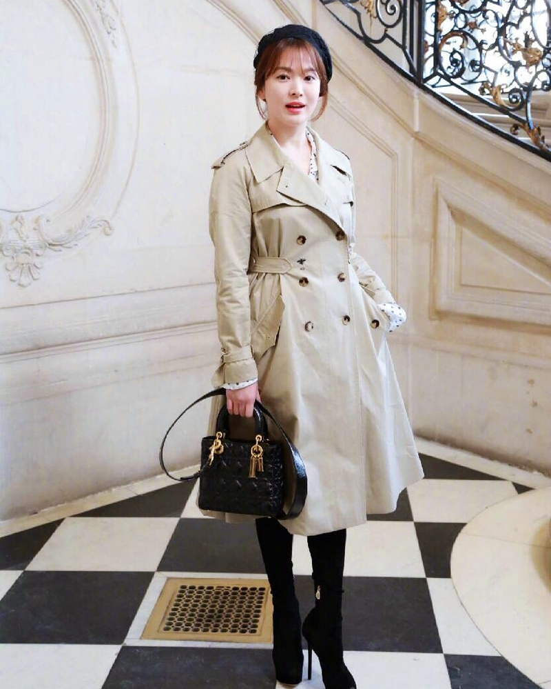 20182301_song_hye_kyo_song_jong_ki_dior_haute_couture_2018_deponline_02