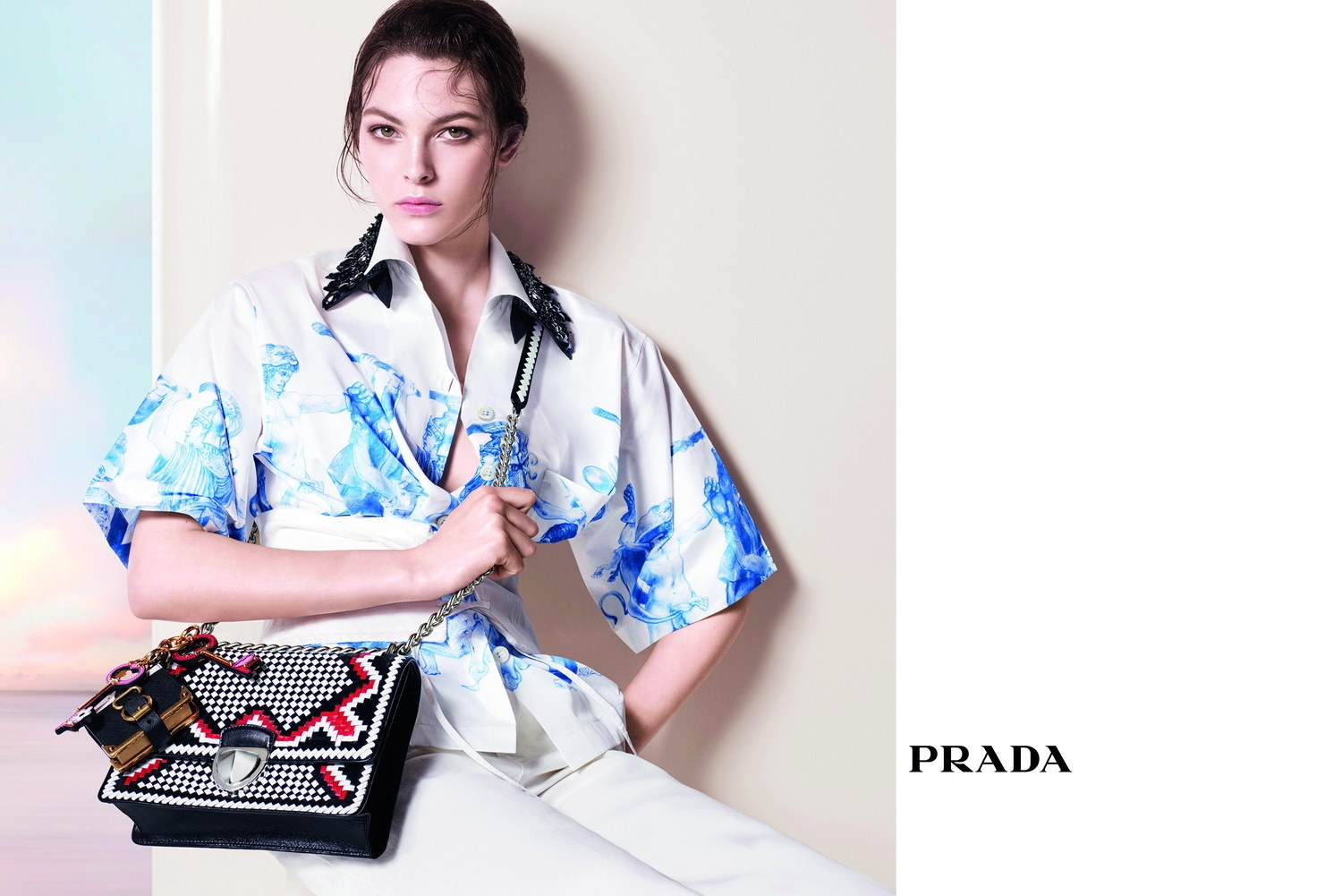 prada-charmed-advertising-campaign_vittoria-ceretti1