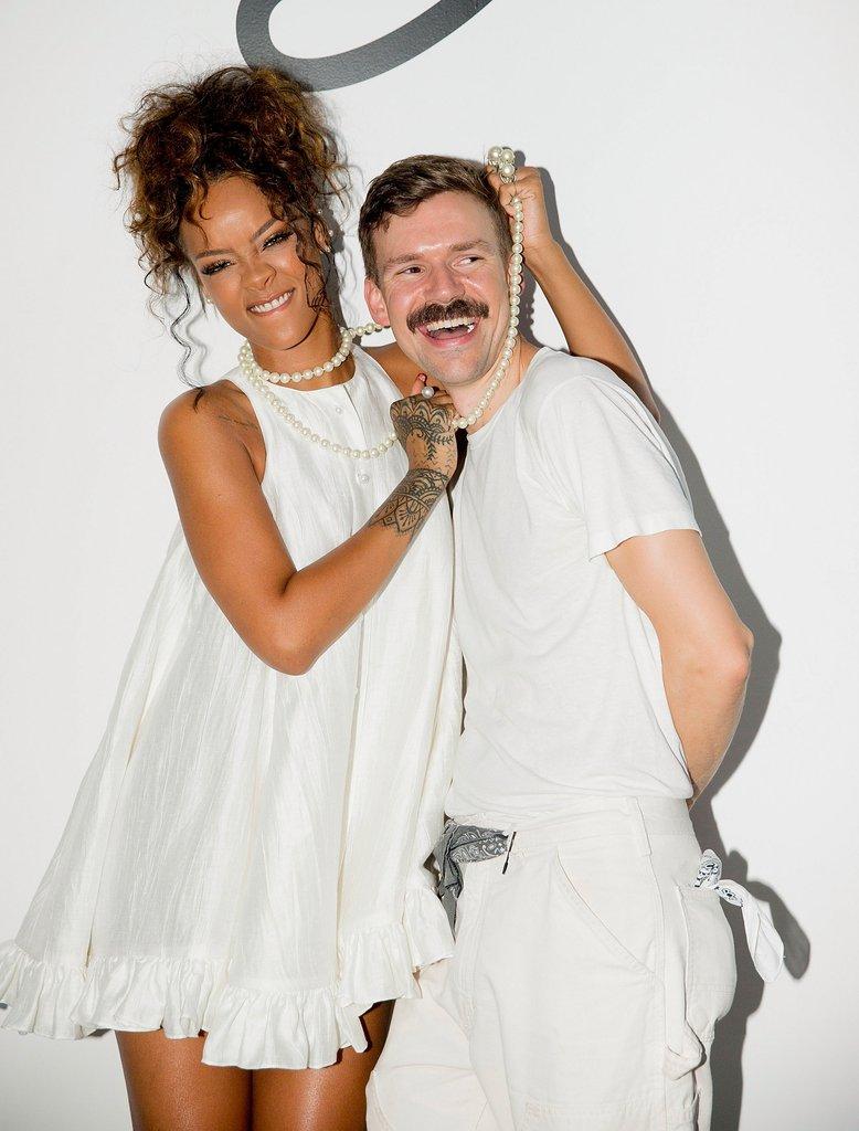 NTK Adam Selman cũng từng mời Rihanna tham dự show diễn của mình.