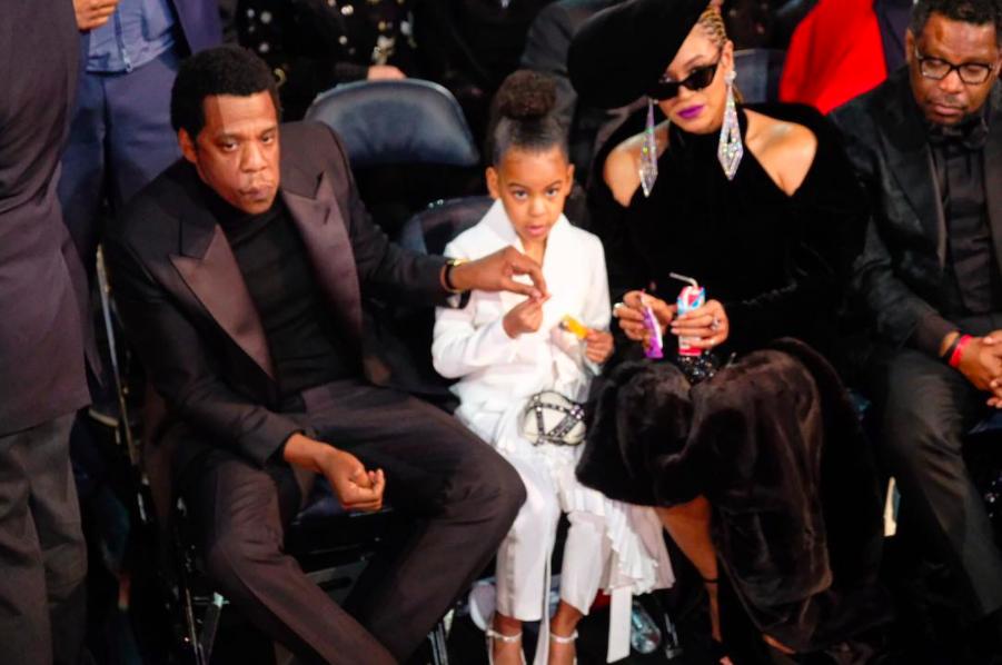 Bố Jay-Z cũng có lúc ăn cùng cô con gái 6 tuổi.