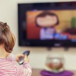 Tác hại khi trẻ em xem ti vi và chơi điện tử nhiều