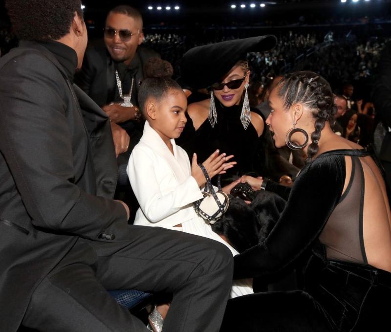 Và dĩ nhiên cô bé cũng nhận được sự quan tâm của những ngôi sao, như Alicia Keys chẳng hạn.