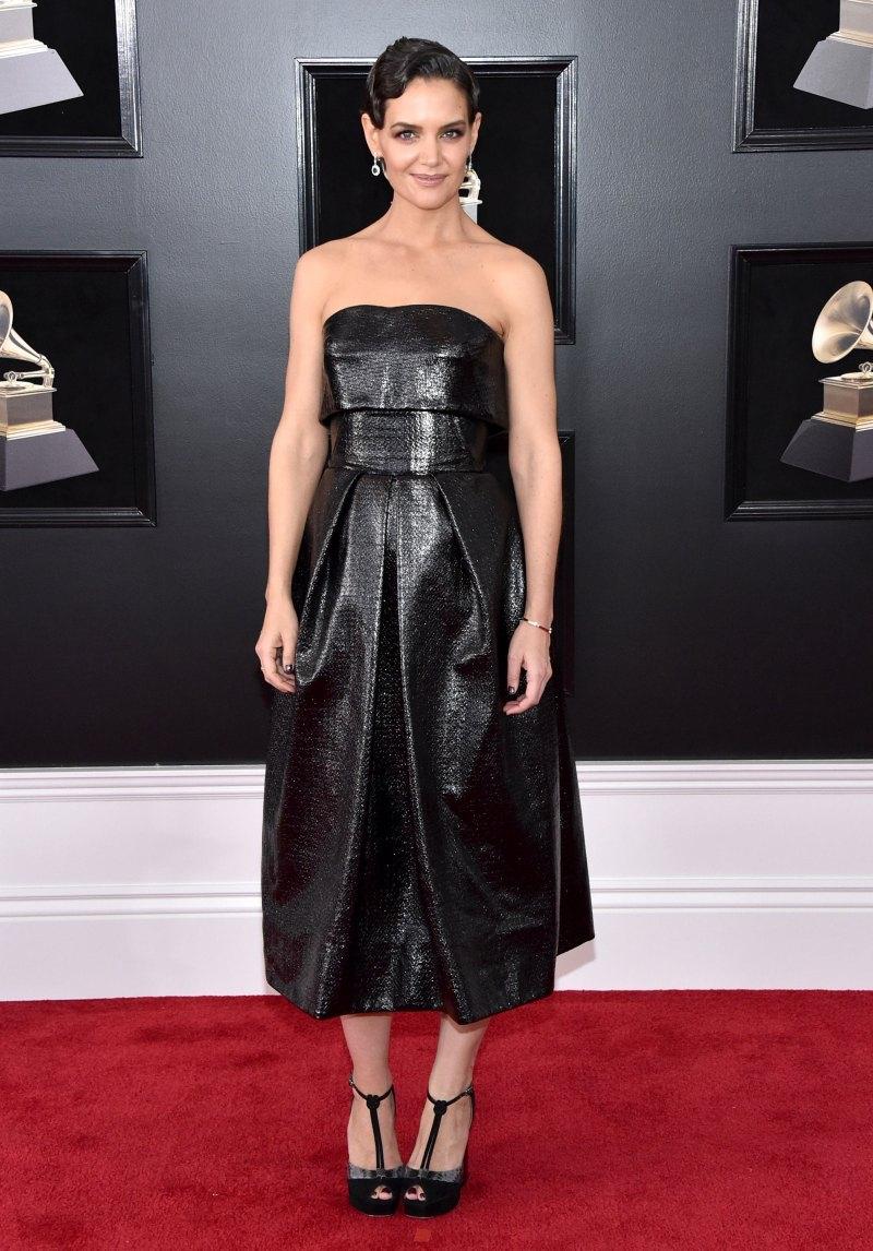 Katie Holmes ấn tượng với vẻ đẹp cổ điển trong bộ đầm quây màu đen của NTK Mỹ Zac Posen.