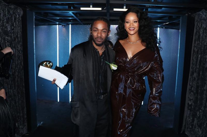 Rihanna mặc trang phục của Alexandre Vauthier Couture.