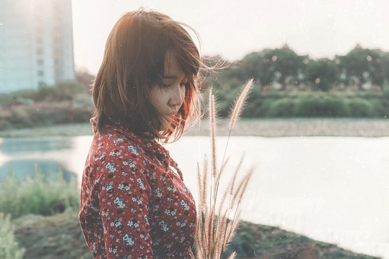 Female Sad Woman Girl Sara Nguyen Sara People