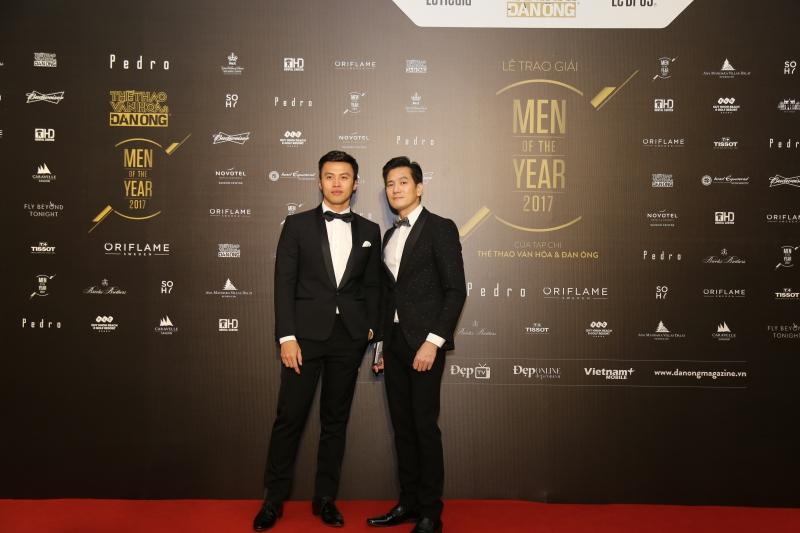 """""""Businessman of the Year"""" Lê Đăng Khoa (trái) và David Duy Hân"""