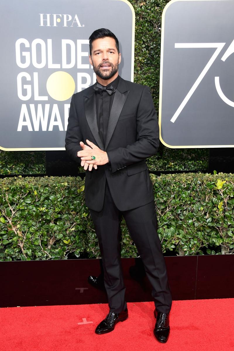 """Giorgio Armani là lựa chọn của nam ca sĩ Ricky Martin. Sắp tới đây anh sẽ có mặt trong phần phim mới của series truyền hình ăn khách """"American Crime Story""""."""