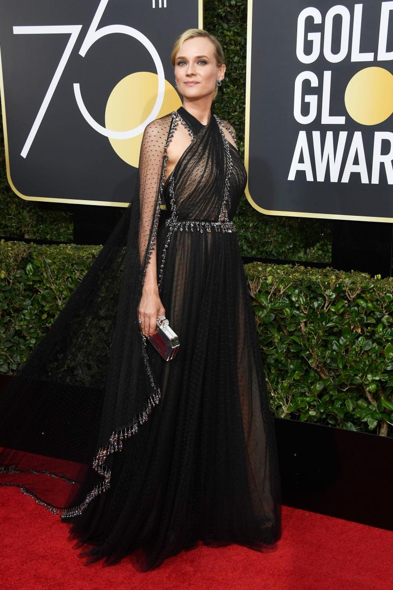 Nữ diễn viên Diane Kruger thướt tha trong thiết kế của Prada làm riêng cho cô.