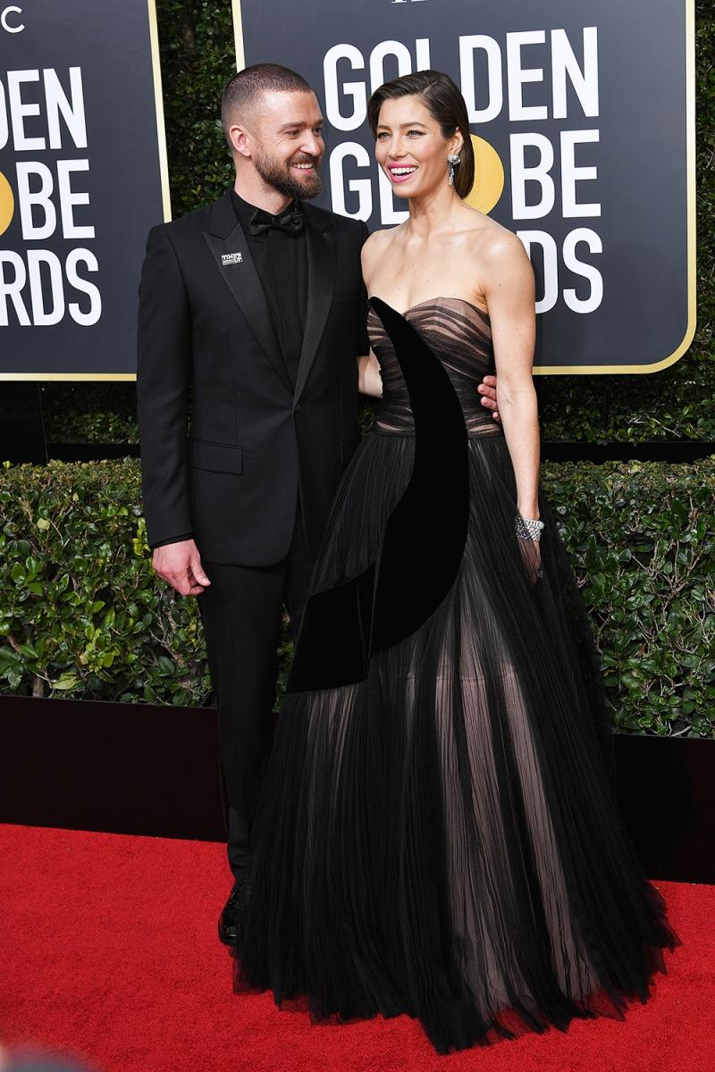 """Cô tới dự Quả cầu Vàng cùng """"đức lang quân"""" Justin Timberlake. Chủ nhân của ca khúc """"Filthy"""" trông thật bảnh bao và lịch lãm trong bộ suit của Dior Homme."""