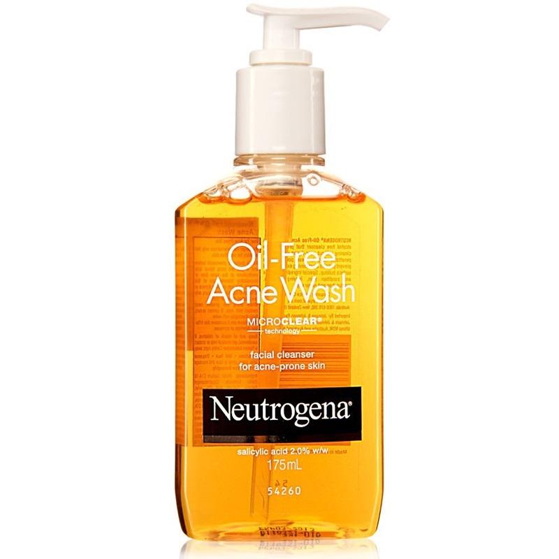 Neutrogena - Oil Free Acne Wash: sữa rửa mặt giúp rửa sạch mặt, không gây kích ứng hoặc khô da. Giá: 220.000VND