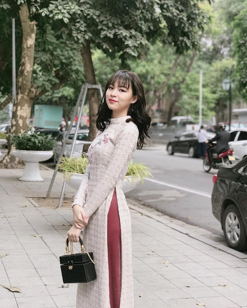 201819_my_nhan_viet_xung_xinh_ao_dai_ngay_tet_deponline_11