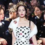 """Dàn sao Âu – Á """"đụng hàng"""" đầm đỏ hơn 100 triệu của Dolce & Gabbana"""