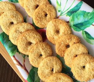 Làm bánh dừa vòng thơm lừng đón Tết