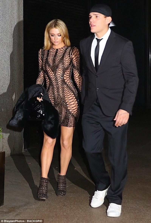 Người đẹp 37 tuổi tới dự sinh nhật Rihanna cùng với bạn trai sắp cưới Chris Zylka.