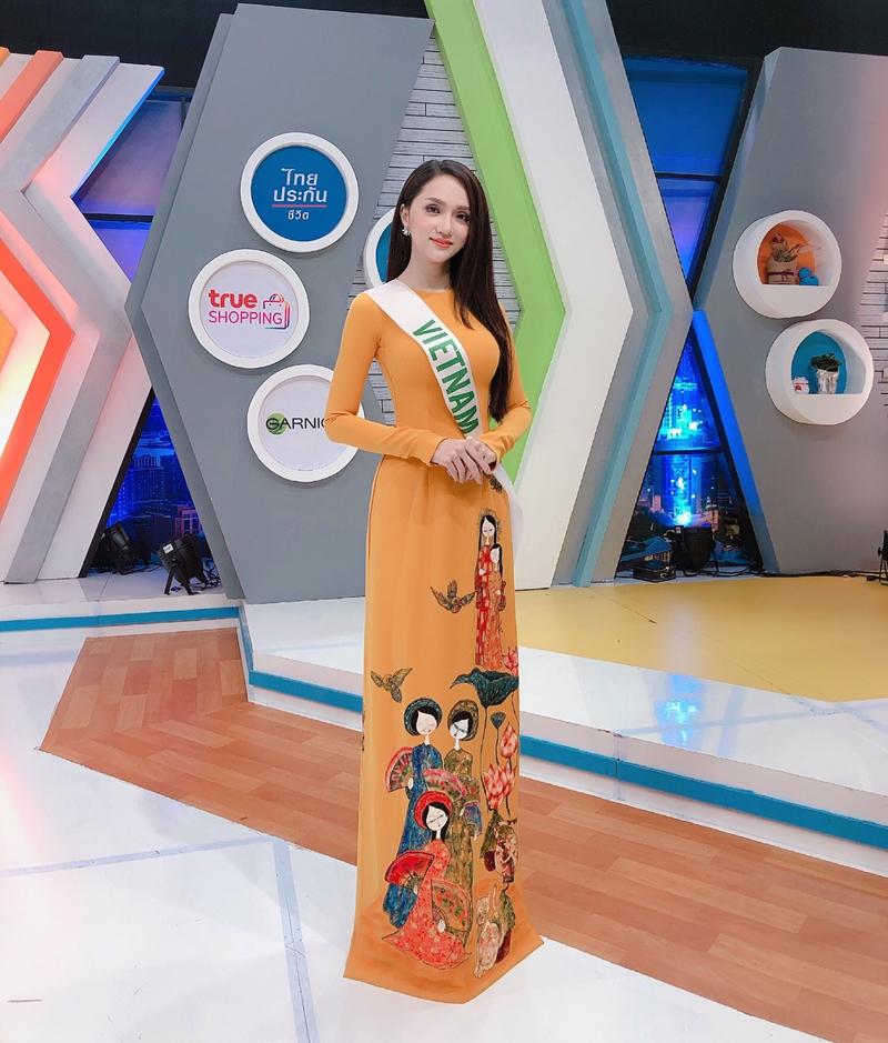 20181003_huong_giang_idol_thoi_trang_hoa_hau_deponline_13