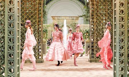 Chanel, Givenchy, Dior, Viktor & Rolf mê hoặc cả thế giới với Haute Couture Xuân Hè 2018