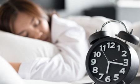 Cô gái mắc chứng bệnh lạ cần ngủ đến 21 tiếng một ngày
