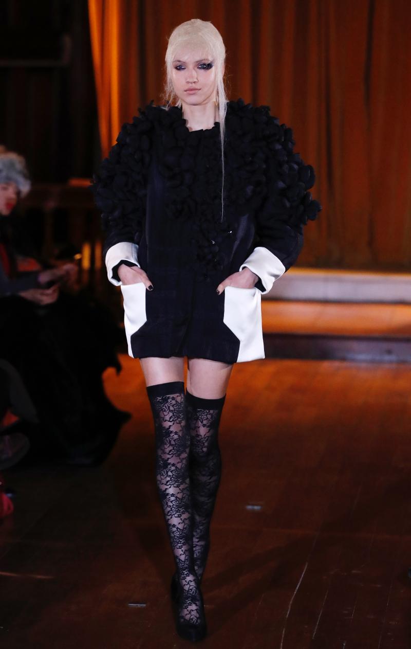 Thiết kế trong BST Haute Couture Xuân Hè 2018 của XUAN