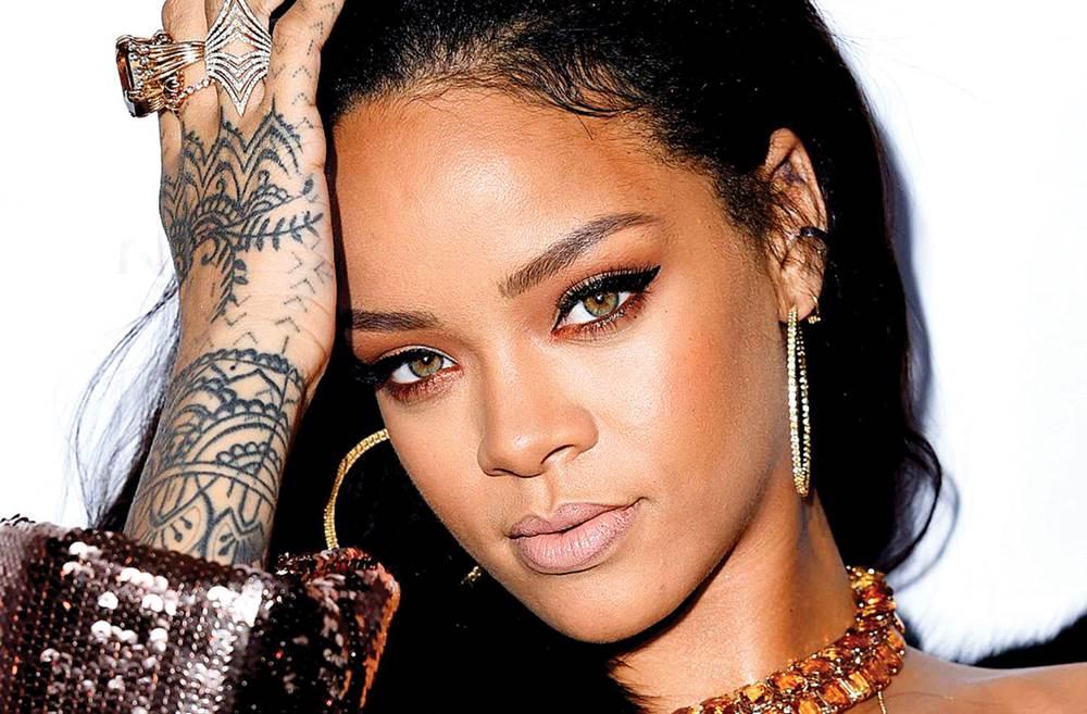 Rihanna sở hữu tới 25 hình xăm lớn nhỏ trên cơ thể