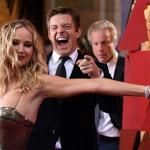 Jennifer Lawrence vẫn không bớt gây trò hài hước qua bao mùa Oscar