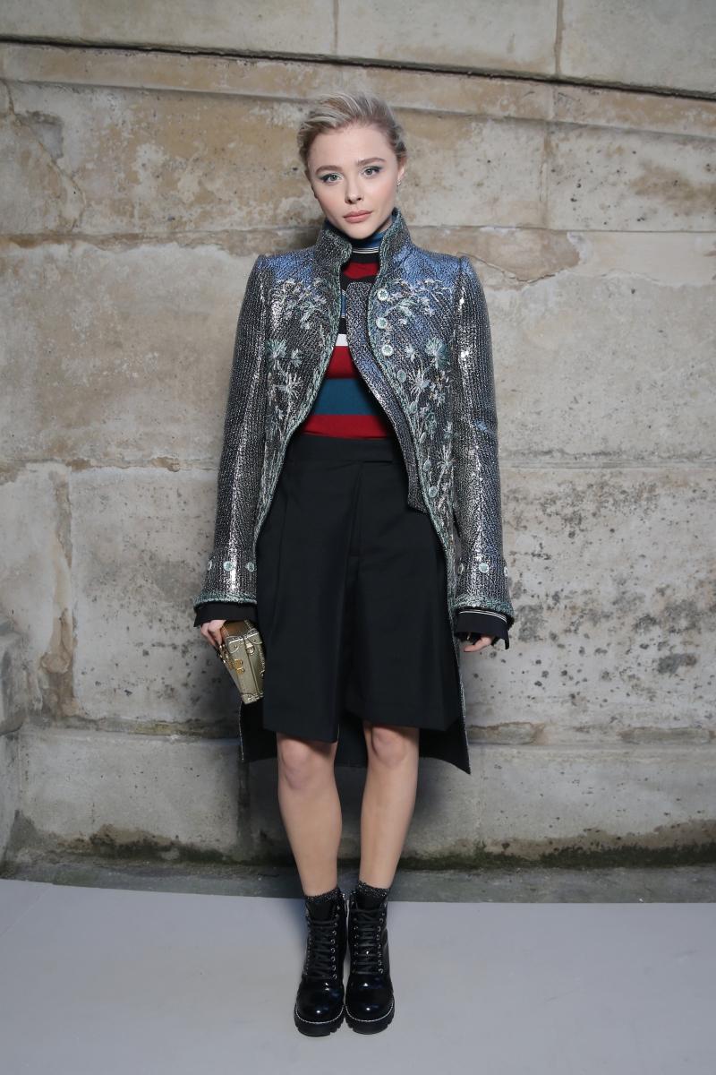 Diễn viên Chloe Moretz, bạn gái của cậu cả nhà Beckham, cũng có mặt tại sự kiện ra mắt BST Thu Đông 2018 của Louis Vuitton