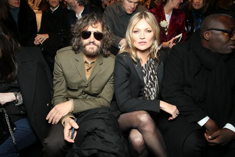 Siêu mẫu Kate Moss và Vincent Gallo (trái), một tên tuổi đình đám trong nhiều lĩnh vực âm nhạc, điện ảnh, nghệ thuật.