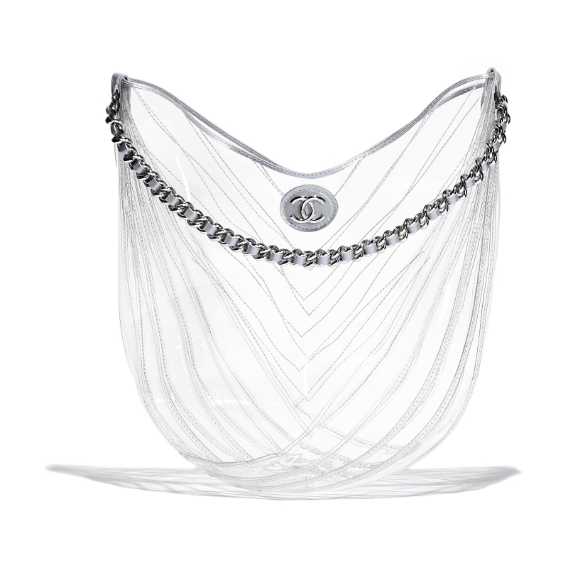Nhỏ nhắn và trong suốt, ai rồi cũng sẽ phải lòng chiếc túi xinh xắn này của Chanel.