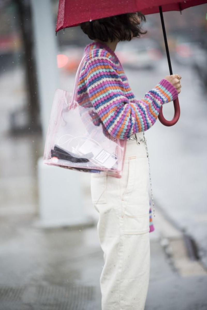 Chiếc túi xách Anais có giá 420 đôla đã thuộc về tay cô nàng Alyssa Coscarelli, một cây viết của trang Refinery29.