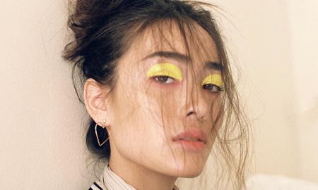 Sắc vàng dẫn đầu xu hướng trang điểm mắt trong mùa hè 2018