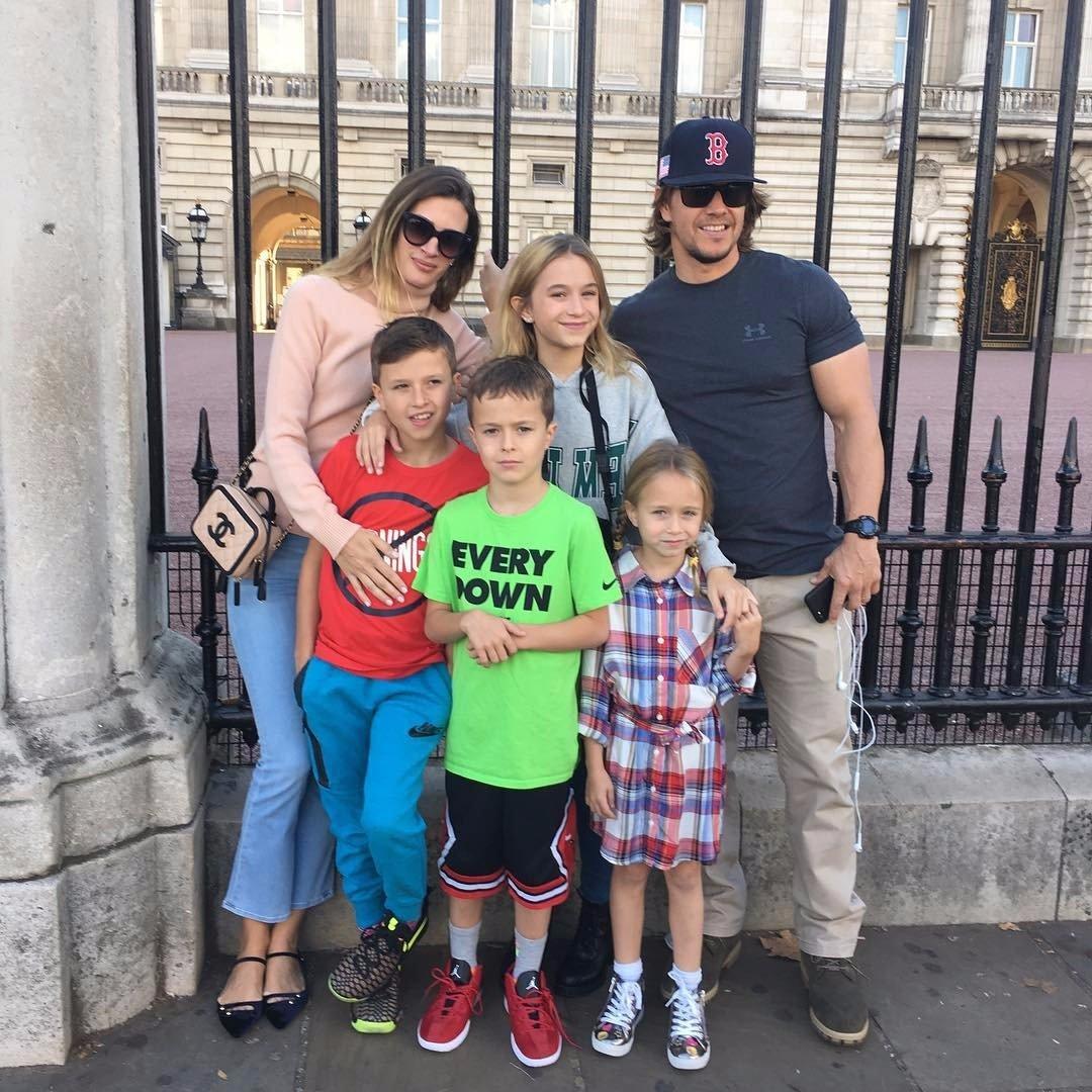 instagram-photos-mark-wahlberg-his-kids