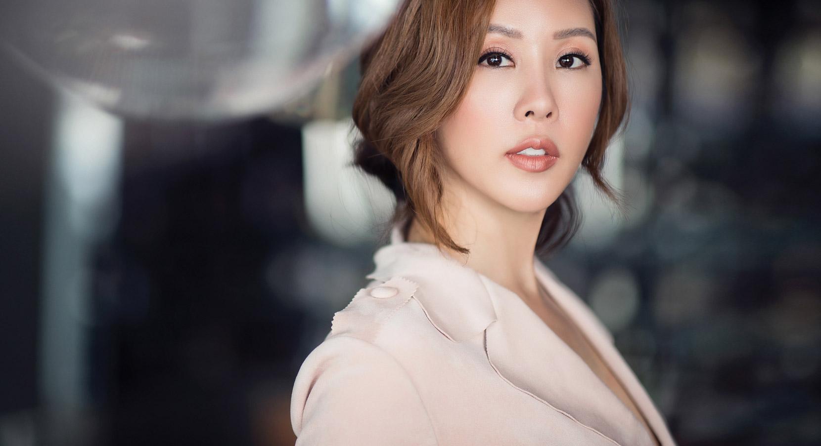 Hoa hậu Thu Hoài – 2 người đàn ông, 3 đứa con, chưa một lần khoác áo cưới