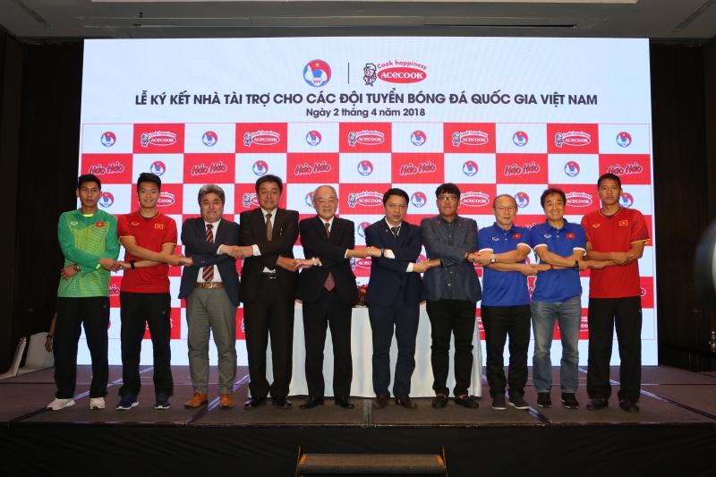 Acecook Việt Nam chính thức đồng hành cùng các đội tuyển bóng đá quốc gia Việt Nam