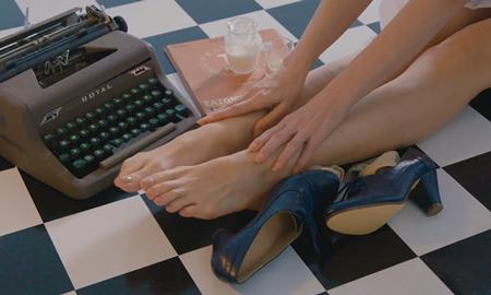Nghệ thuật chăm sóc đôi chân đã thay đổi thế nào trong 100 năm qua?