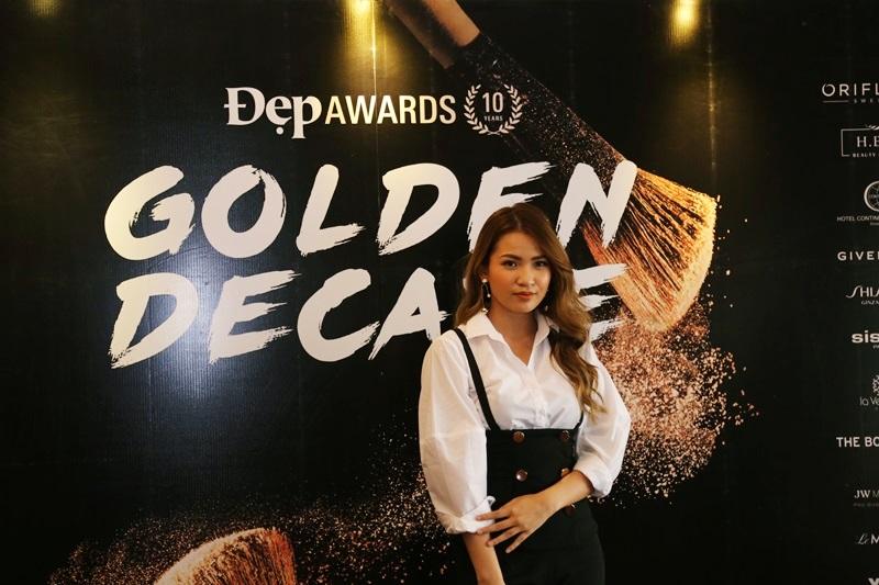 """Beauty blogger Linh Trương (TheMakeaholics), cô cũng là chủ nhân của giải thưởng """"Up and coming beauty blogger"""" tại Đẹp Awards 2017"""