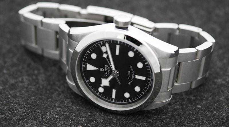 6 mẫu đồng hồ bằng thép không gỉ được yêu thích nhất