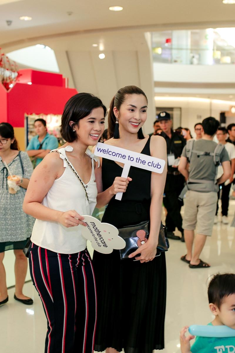 """dù rời xa làng giải trí đã lâu nhưng nữ diễn viên vẫn là một """"tượng đài nhan sắc"""" hiếm hoi của showbiz Việt"""