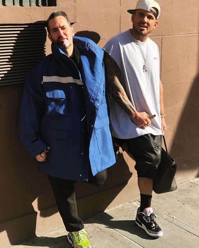 """Dường như phong cách """"rộng thùng thình"""" rất được lòng cả NTK Marc Jacobs và Char Defrancesco."""