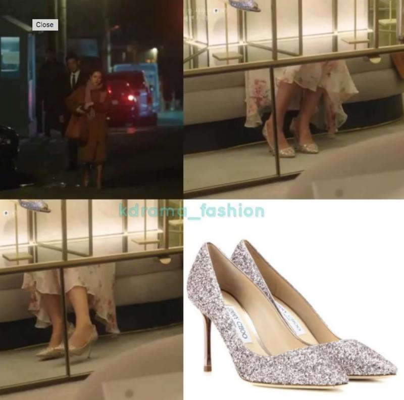 Cùng với chiếc váy điệu đà là đôi giày Romy của Jimmy Choo có giá 625 đô la.